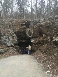 Cumberland Cavern entrance